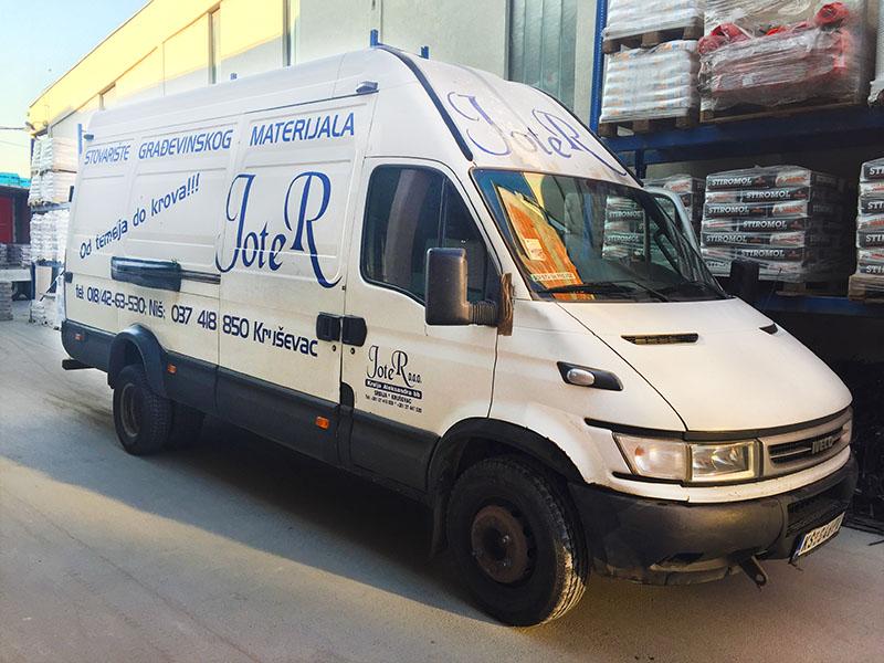 Transport građevinskog materijala preduzeća Joter u Nišu